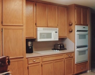 Custom cabinets cabinet doors victoria texas northside for Updating old kitchen cabinets